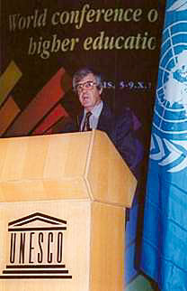John E.S. Lawrence Addressing the plenary session of the World Conference on Higher Education, Paris, October 1998.